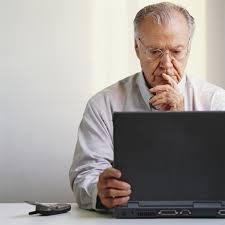 Adultomayor-computadora